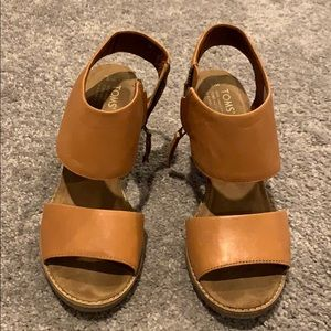 Toms Tan open toed sandals
